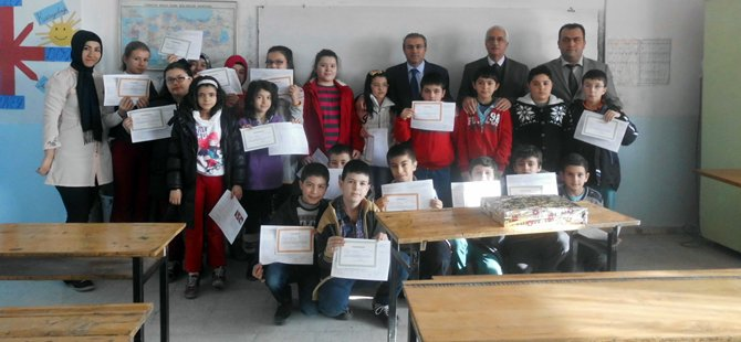 Beypazarı'nda Öğrenciler Yarı Yıl Karnelerini Aldılar