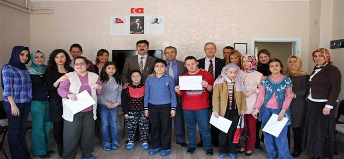 Beypazarı Kardelen Özel Eğitim ve Rehabilitasyon Merkezinde Kurs Bitirme Belgesi Verildi