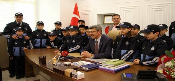 Türkiye'de İlk Beypazarı'nda Çocuk Zabıta Teşkilatı Göreve Başladı