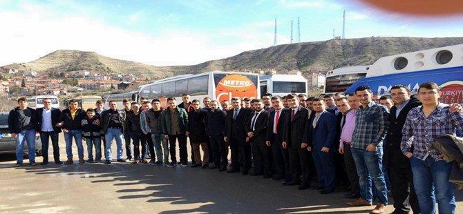 Beypazarı Ak Gençlik Teşkilatı 11 İl Delegesi ve 2 Otobüs Kongreye katıldı.