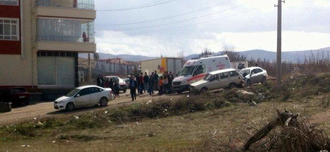 Beypazarı Merkezde Trafik Kazası 1 Yaralı