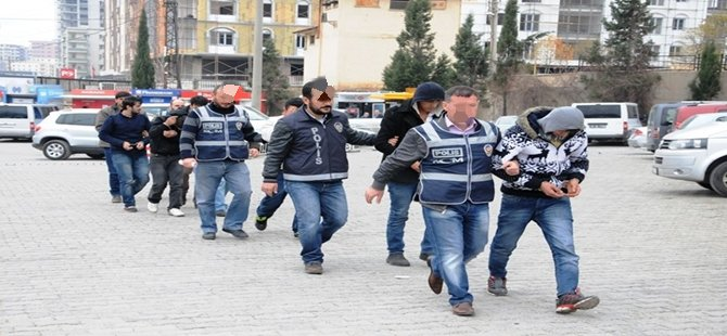 Beypazarı İlçesinde Uyuşturucu Ele Geçirilen 7 Zanlıdan 2'si Tutuklandı