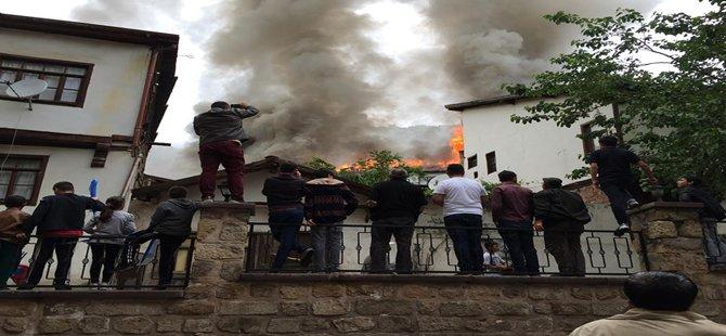 Beypazarı'nda Yangın 3 Ev Yandı....