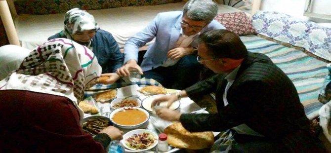 Beypazarı Belediye Başkanı Tuncer Kaplan ve Eşi Ayşe Kaplan M.S'nin Evinde Oruçlarını Açtılar