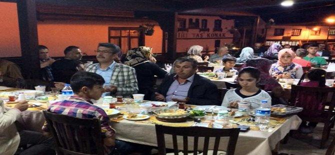 Beypazarı Belediye Başkanı Tuncer KAPLAN Yetim ve Öksüzlerle İftarını Açtı