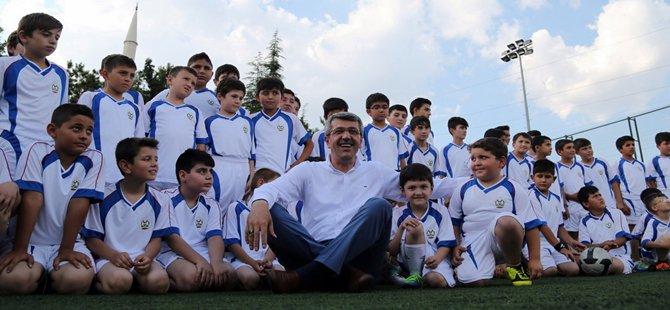 Beypazarı Belediye Başkanı Tuncer Kaplan Geleceğin Futbolcuları İle Buluştu