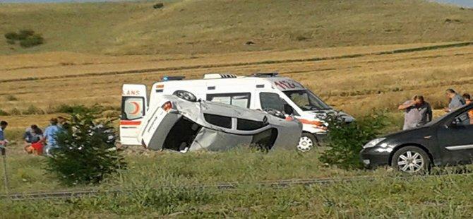 Beypazarı Gõmleksiz Kõprūde Trafik Kazası 4 Yaralı