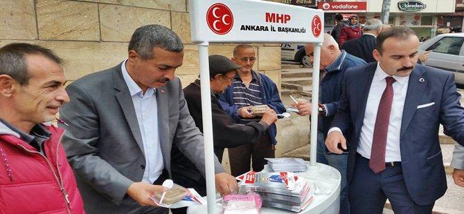 MHP Ankara Milletvekili Adayı İbrahim Doğan Beypazarı'nda Halka Aşure İkram Etti