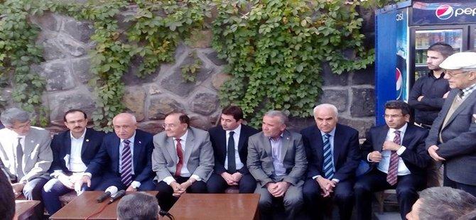 Beypazarı'nda Konuşan Cemil Çiçek,Türkiye Bu Anayasayla Türkiye Yoluna Devam Edemez