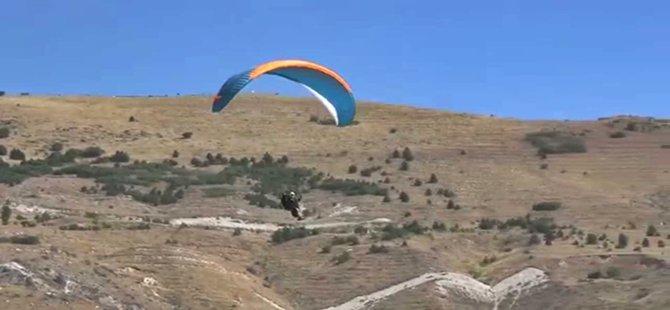 Beypazarı'nda Yamaç Paraşütü Uçuşları Başlayacak