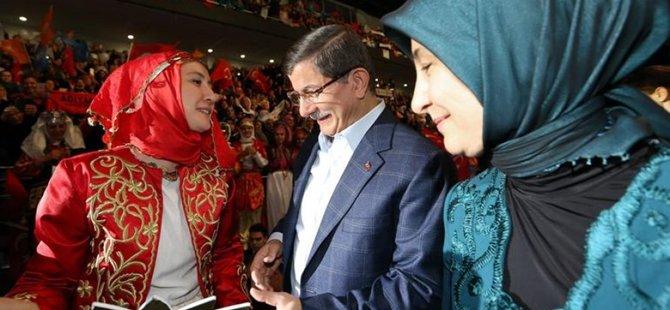 AK Parti Kadın Kolları Başkanını Seçti