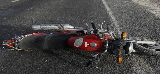 Beypazarı'nda Motosiklet Adama Çarptı 1 Kişi Yaralandı