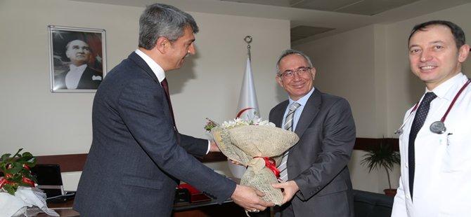 B.B.Başkanı Tuncer Kaplan 14 Mart Tıp Bayramı Dolayısı İle Beypazarı Devlet Hastanesini Ziyaret Etti