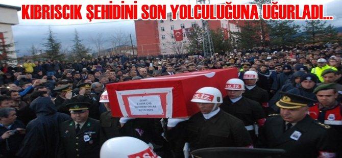 KIBRISCIK ŞEHİDİNİ '' CENNETE '' BİNLERCE KİŞİYLE UĞURLADI...