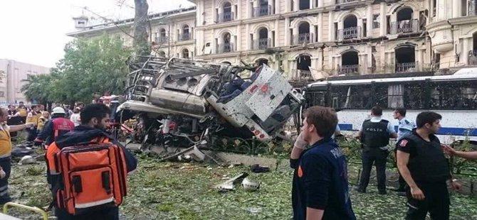 İSTANBUL'DA BOMBALI  SALDIRI 7 POLİS ŞEHİT, 4 SİVİL HAYATINI KAYBETTİ