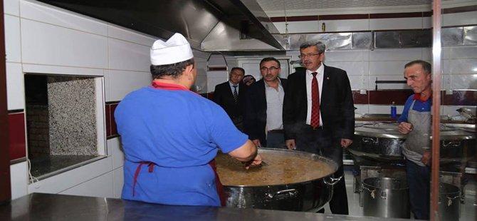 Beypazarı Belediyesi Camilerde Aşure Dağıttı