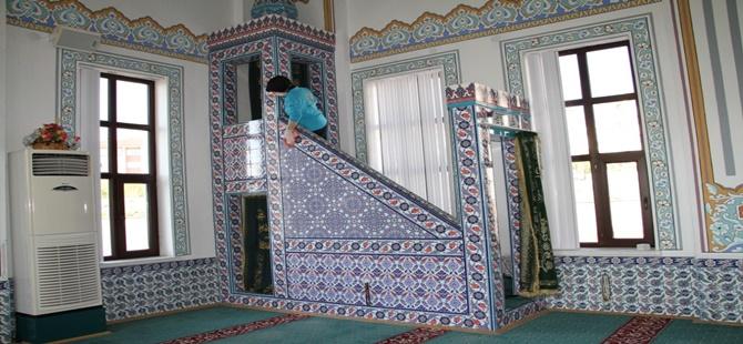 Beypazarı'nda İbadethanelerde Temizlik Çalışmaları Sürüyor