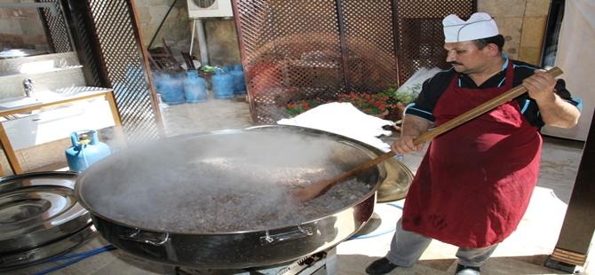 Beypazarı Belediyesinden Fakir Ailelere Ramazan'da Sıcak Yemek Dağıtımı