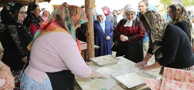 EMİNE ERDOĞAN'DAN BEYPAZARI '' ANADOLU AÇIK HAVA MÜZESİ YAŞAYAN KÖY ''E ZİYARET