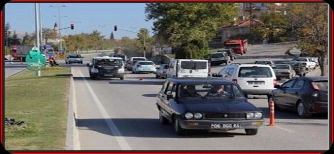 Beypazarı Ayvaşık  Kavşağında  Trafik Kazası 1 Ağır 2 Kişi Yaralandı