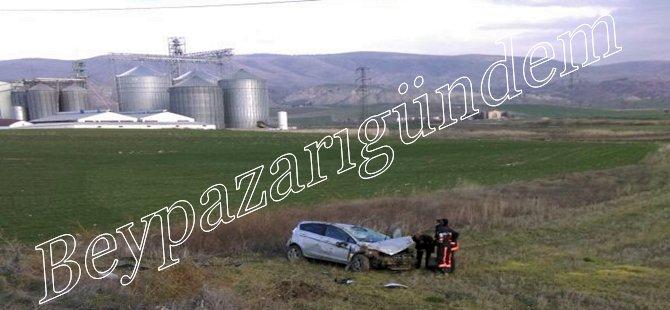 Beypazarı Beyyem Karşısında Trafik Kazası 1 Ağır 2 Kişi Yaralı