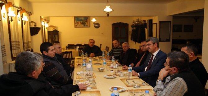 Başkan Kaplan Kuru imalatçısı esnaflarla bir araya gelerek sorunları dinledi