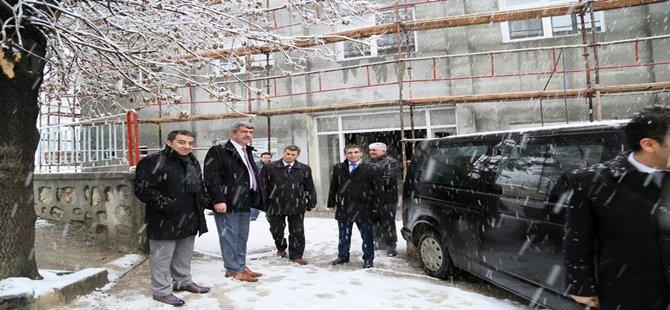 Başkan KAPLAN' Yapımı Devam Eden İnşaatları Denetledi