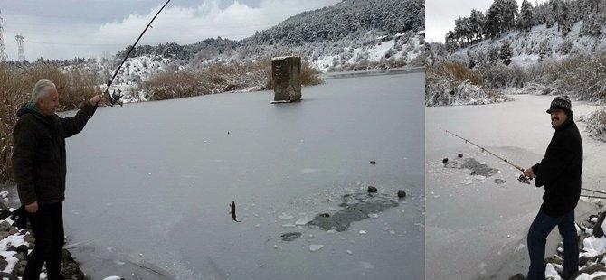 Beypazarı; Karagöl Buz Tuttu, Buzlu Gölde Balık Avı...
