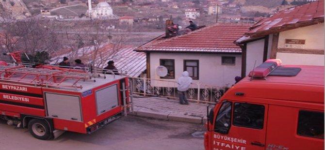 Beypazarı'nda İki Evde  Yangın Çıktı