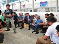 Pazar Yerinin Altına Açılan Marketi Pazar Esnafı Protesto Etti