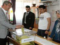 Beypazarı Belediye BaşkanıTuncer KAPLAN Oyunu Gazipaşa İlköğretim Okulunda Kullandı