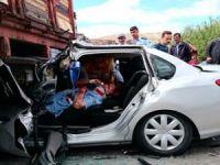 Beypazarı İnözü Ayvaşık Kavşağında Korkunç Trafik Kazası 4 Ağır 5 kişi Yaralalı...