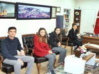 Lise Öğrencileri Beypazarı Kaymakamı  Suat SEYİTOĞLU'nu Ziyaret Ettiler
