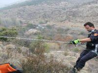 Beypazarı İnözü Vadisinde 120 Metrelik Kayalıklarda 5 Gündür Mahsur Köpek Kurtarıldı