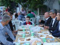 Belediye Başkanı Tuncer Kaplan Yeşilağaç Mahallesinde İftarını Açtı