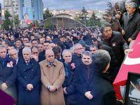 TÜRK DÜNYASININ GÜÇLÜ SESİ OZAN ARİF'İ  SON YOLCULUĞUNA ONBİNLERCE KİŞİ UĞURLADI