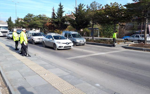 beypazari-nda-otomobilin-carptigi-yaya-yarala-12682065_osd.jpg